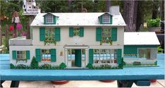 """MARX 'MARXIE MANSION"""" with Florida Room, Staircase, 1960's, Vintage Tin Dollhouse"""