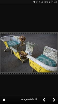 Decoration Repurposed upcycled bath tub with feet Restaurant Furniture in your home Article Body: Th Simple Furniture, Upcycled Furniture, Furniture Making, Diy Furniture, Bathroom Furniture, Garden Furniture, Bath Tube, Old Bathtub, Diy Jewelry Holder