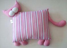 ***sejam todos bem vindos ao Blog lua*** Baby Pillows, Kids Pillows, Animal Pillows, Craft Patterns, Doll Patterns, Sewing Patterns, Dog Crafts, Crafts To Do, Cute Sewing Projects