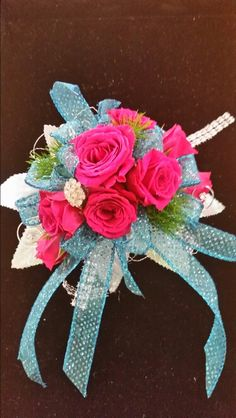 Hot pink and turquoise blue...