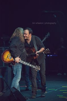 Warren Haynes and Dave.....strikingly beautiful photo.