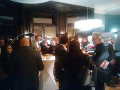 Het was gezellig druk tijdens boekenfeestje #krachtzondermacht in Vught.  Met #keeslindhout #josvanrooyen #chesterjansen #harrophilip #futurouitgevers