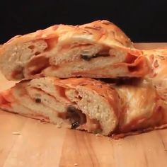 Stuff your challah with a pizza - this challah is like nothing you have ever had before, loaded with tomato sauce and cheese, you won't believe what hit you. Lebanese Recipes, Jewish Recipes, Turkish Recipes, Kosher Recipes, Vegan Recipes, Cooking Recipes, Biscuit Recipe Video, Challah Bread Recipes, Biscuit Pizza