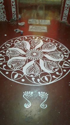 Ranit paul Easy Rangoli Designs Diwali, Rangoli Simple, Rangoli Designs Latest, Beautiful Rangoli Designs, Mehndi Designs, Mandala Design, Mandala Art, Alpona Design, Rangoli Patterns