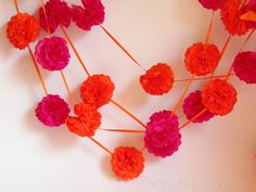 Mini-Pompoms Girlande Diy Wedding, Crochet Necklace, Mini, Holiday, Projects, Garlands, Dekoration, Log Projects, Vacations
