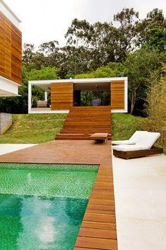Boa composição de cores e materiais. Moderno e aconchegante!