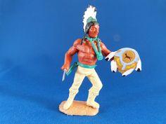 Federn und Indianerschild aus Resin, Schildschlaufe flexibel