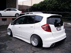 Honda Fit Honda Jazz, Honda Fit, Fit Car, Classy Cars, Small Cars, Looks Cool, Honda Civic, Cute Photos, Race Cars