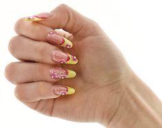#flower power e tanta solarità per la #manicure realizzata da Rachele Esposito per #CosmoNails #nail #nailart #polish #unghie #summer