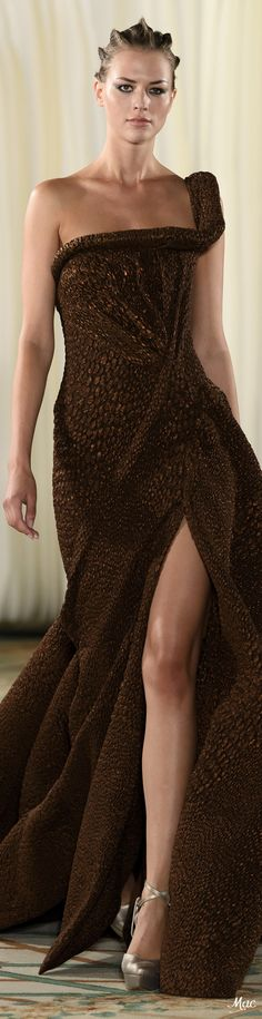 Fall 2019 Haute Couture Tony Ward Tony Ward, High Fashion, Fashion Show, Fashion Design, Fashion Brands, Chocolate Fashion, Haute Couture Gowns, Lady, Strapless Dress Formal