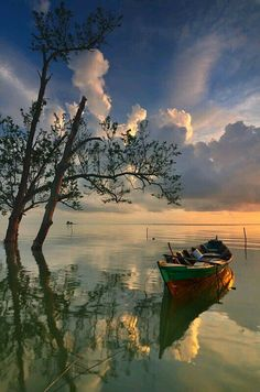 Science Discover & Boat by Ade Rinaldi Image Nature Nature Photos Beautiful World Beautiful Images Trees Beautiful Pretty Pictures Cool Photos Landscape Photography Nature Photography Water Photography, Landscape Photography, Travel Photography, Aesthetic Photography Nature, Beautiful World, Beautiful Images, Trees Beautiful, Image Nature, Nature Nature