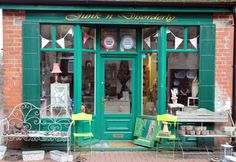 Based in Llandrindod Wells, Junk n Disorderly is a shop you need to keep an eye on. Fantastic vintage and retro finds DOWNSTAIRS and fabulous vintage clothes UPSTAIRS. Follow both on Facebook - Junk n Disorderly and Upstairs at Junk n Disorderly.