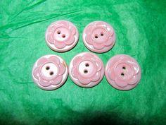 "(5) 3/4"" FLORAL DESIGN PINK PLASTIC 2-HOLE COLT HOUSEDRESS BUTTONS (PC17)"