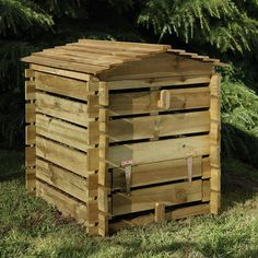 The Hartwood Beehive Composter is a more decorative option for home composting. The lid is held open with a handy prop and there is a bottom opening flap for easy compost retrieval. A compost bin is a great addition to your garden, minimising the amoun Wooden Compost Bin, Garden Compost, Gardening, Garden Planters, Kitchen Waste, Yard Waste, Forest Garden, Wooden Slats, Wooden Garden