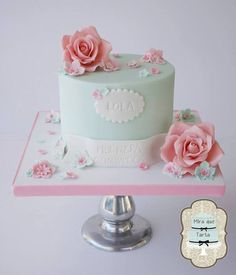 Pretty Shabby Chic Cake