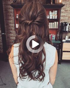 pretty loose waves by Katie Blasius #weddinghairsimple Loose Curls Hairstyles, Easy Hairstyles For Long Hair, Wedding Hairstyles, Wedding Hair Brunette, Brunette Hair, Loose Waves Hair, Dreadlocks, Long Hair Styles, Pretty