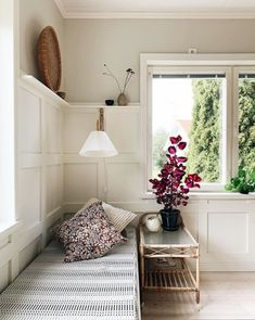 my scandinavian home: Step Inside Maiju's Delightful Home in Vaasa, Finland Farrow Ball, Helsinki, Küchen Design, Interior Design, Interior Ideas, Diy Daybed, Home And Living, Living Room, Living Spaces