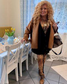 Magda Gessler podała przepis na barszcz czerwony. Jest tani i niezwykle prosty w przygotowaniu I Plotki Myfitness Fur Coat, Vogue, Jackets, Instagram, Fashion, Down Jackets, Moda, Fashion Styles, Fashion Illustrations