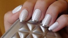 White and silver Nail Art