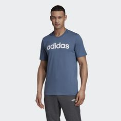 Even after your workout, you are sporty. This classic t-shirt features a contrasting logo for adidas DNA. It also feels super soft thanks to the cotton jersey. Logo Signature, Adidas Gifts, Logo Azul, Dna, T-shirt Logo, Football S, T Shirt Original, Cotton Logo, Ralph Lauren