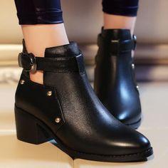 Women shoes For Summer 2020 - - Women shoes Pumps Vintage - Cute Womens Shoes, Womens Shoes Wedges, Pretty Shoes, Cute Shoes, Fashion Boots, Sneakers Fashion, Shoe Boots, Ankle Boots, Women's Shoes
