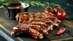 Żeberka z czosnkiem z grilla - przepis na pyszne danie prosto z rusztu. Sprawdź przepis!