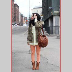 Ideas for style hijab street fashion dresses Hajib Fashion, Street Hijab Fashion, Fasion, Winter Fashion, Fashion Dresses, Islamic Fashion, Muslim Fashion, How To Wear Hijab, Coral Pants