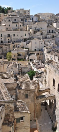 Matera, Italy Photo by Giorgio Galeotti #capitalecultura2019 #Matera2019 https://www.flickr.com/photos/fotodispalle/6206966308/