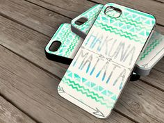 Hey, I found this really awesome Etsy listing at http://www.etsy.com/es/listing/155151592/hakuna-matata-iphone-4-caseiphone-4s