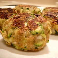 Ricotta and zucchini polpette Veggie Recipes, Diet Recipes, Healthy Recipes, Baked Vegetables, Veggies, Veggie Delight, Zucchini Cake, Italy Food, Vegetable Dishes