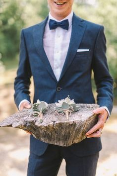 groom with boutonnieres - photo by Nastja Kovacec http://ruffledblog.com/a-tuscan-dream-wedding-come-true