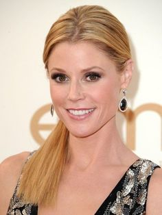 Julie Bowen's sleek low pony  | allure.com