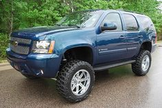 Lifted 2010 Chevy (Chevrolet) Trucks with some SUVs & Crossovers included… Vintage Chevy Trucks, Chevy Trucks Older, Suv Trucks, Suv Cars, Classic Chevy Trucks, Cool Trucks, Chevy Classic, Chevrolet 4x4, Lifted Chevy Tahoe