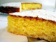La torta di pere è un classico dolce intramontabile ma mai scontato. In questa ricetta ho sostituito il latte con la spremuta d'arancia per un risultato sofficissimo.