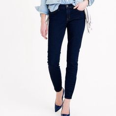 """// J.C r e w • A n k l e • J e a n s • Sz 28 // J.Crew dark denim toothpick ankle jeans Sz 28 and in like new condition!                                           SIZE & FIT DETAILS Sits at hip. Midrise. Fitted through hip and thigh, with a superskinny, ankle-length leg. Front rise: 8 3/4"""". 28"""" inseam. 10 1/2"""" leg opening (based on size 28). J. Crew Jeans Ankle & Cropped"""