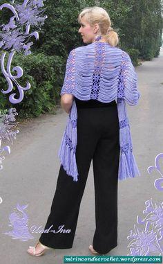 chal muy original very original, I like it!very original, I like it! Crochet Shirt, Crochet Poncho, Love Crochet, Knitted Shawls, Crochet Scarves, Crochet Clothes, Crochet Lace, Crochet Shawl Diagram, Crochet Capas