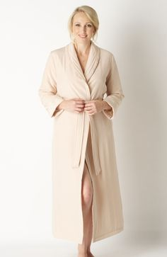 d507a3370a This pale pink quilted pure silk dressing gown takes the remarkably  insulating
