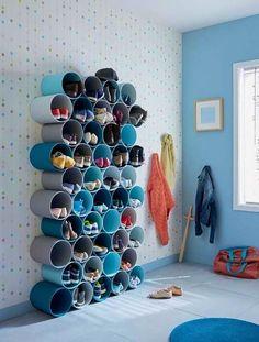 DIY Home Decor 240238961357194608 - rangement-pour-chaussures-a-fabriquer-avec-tubes-pvc-peints.jpg 378 × 448 pixels Source by delanoueisabell Home Projects, Home Crafts, Diy Home Decor, Pvc Pipe Projects, Decor Crafts, Diy Shoe Rack, Shoe Storage Pvc Pipe, Diy Shoe Organizer, Garage Shoe Storage