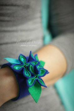 Indygo flowers bracelet w FlowerFelt Design na DaWanda.com