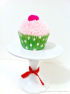 Cupcake Wishes & Birthday Dreams: {Cupcake Monday} Yarn Pom-Pom Cupcake Garland