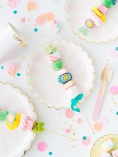 Candy Kabobs - Done Right! | Oh Happy Day!- kinderfeest- spekjes op een stokje