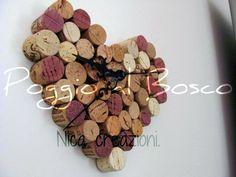 Orologio romantico realizzato con tappi di sughero usati