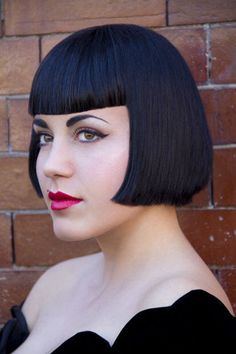 every guy need to experience the sexy feeling of a blunt beautiful box bob.and i know he'll ask you to bob him again . Bob Haircut With Bangs, Hairstyles With Bangs, Bob Haircuts, Bob Bangs, Betty Bangs, Short Bob Styles, Retro Updo, Angled Bobs, Stylish Hair