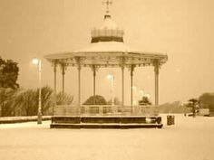 Leas bandstand