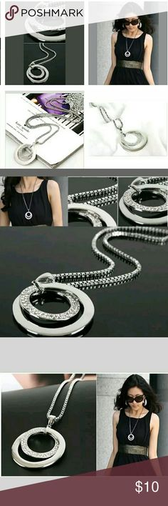 Crystal Silver Plated Long Chain Dbl circle nklc. condition:brand new Material:Alloy& crystal Necklace Length: Approx. 60CM  size : Approx. 3.8 x 3.8cm  Color:Silver Package Included:1 x Necklace Jewelry Necklaces