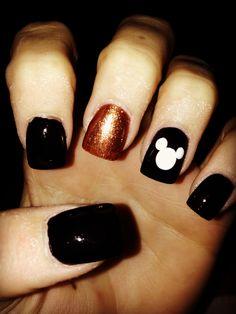 Disney Halloween themed nails:)