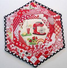 Pinkadot Quilts: More Mug Rugs, potholders