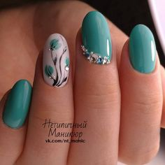 Try some of these designs and give your nails a quick makeover, gallery of unique nail art designs for any season. The best images and creative ideas for your nails. Flower Nail Designs, Flower Nail Art, Nail Art Designs, Nails Design, Nail Designs With Gems, Teal Nails, Fun Nails, Nails Turquoise, Teal Nail Art