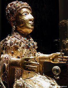 9. 3 Majesté de Sainte Foy de Conques, zoom