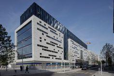 Architecture Paramétrique, Plan Concept Architecture, Factory Architecture, Hospital Architecture, Healthcare Architecture, Office Building Architecture, Building Exterior, Commercial Architecture, Amazing Architecture